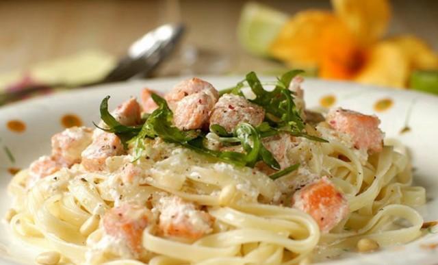 Спагетти в рыбном соусе