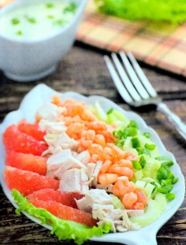 Салат из куриной грудки с грейпфрутом