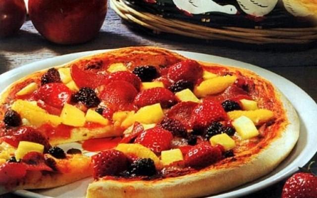 Сладкая фруктовая пицца