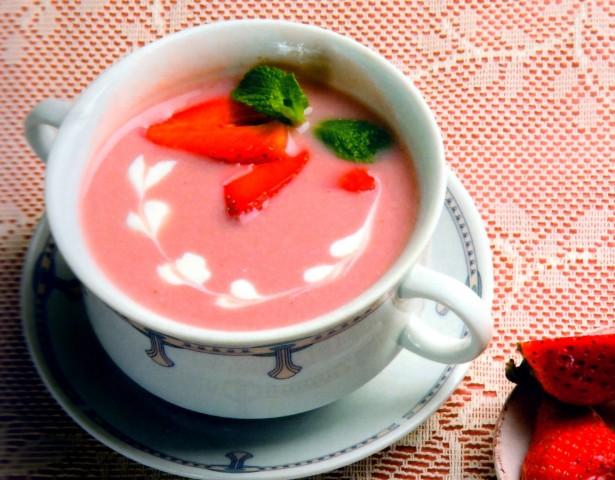 Суп клубничный со сливками