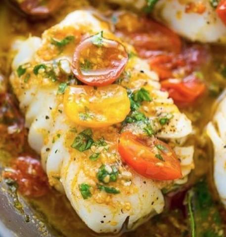 Треска в томатно-базиликовом соусе