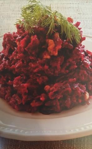 Салат из свеклы с грецкими орехами