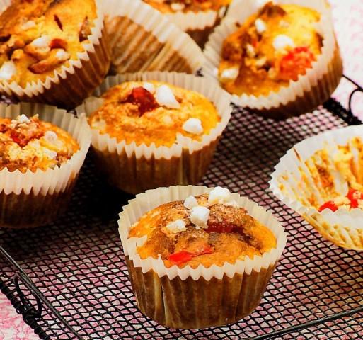 Вишневые кексы с миндалем