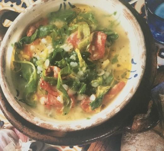 Суп с картофелем, капустой и колбасками
