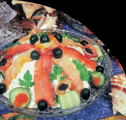 Салат с осетриной и горбушей