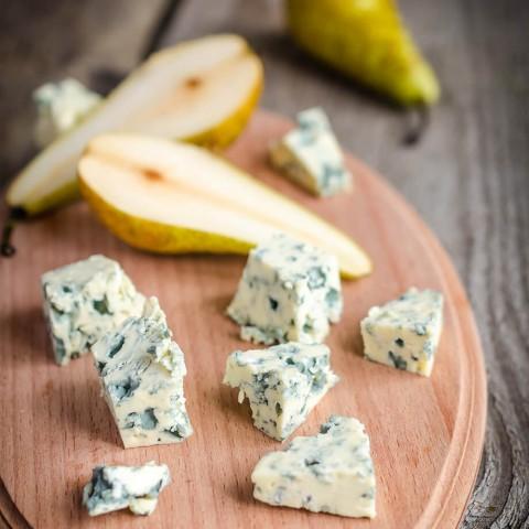 Голубой сыр с грушами