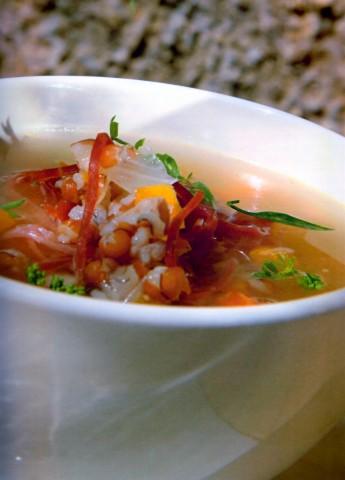 Суп с перловой крупой и арденнской ветчиной