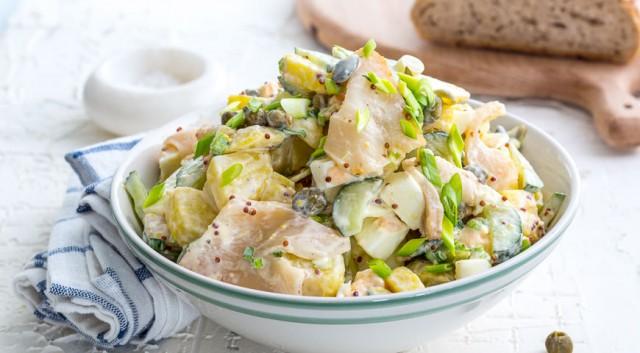 Салат из картофеля с рыбой