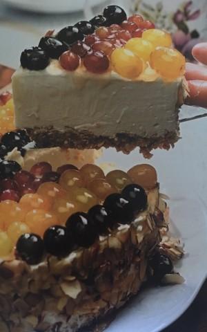 Виноградный творожный торт