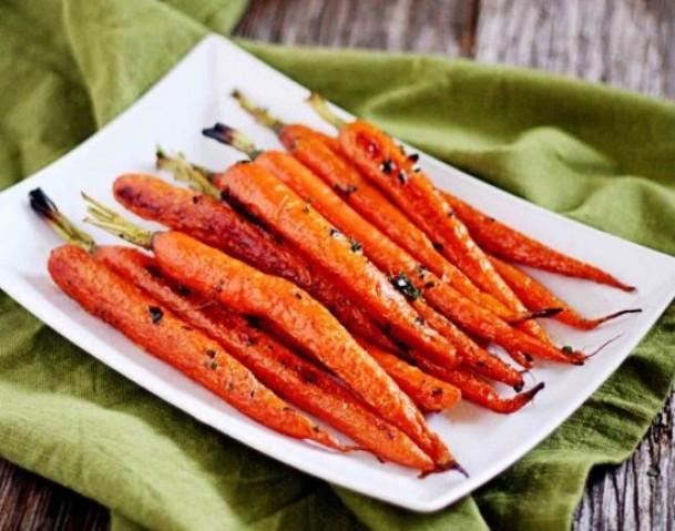 Морковь, запеченная с тимьяном