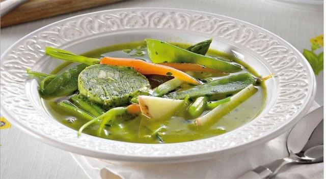 Французский суп из свежих кореньев