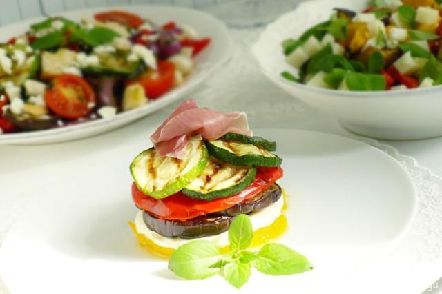 Мильфей из овощей и моцареллы