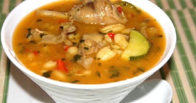 Суп из кролика и фасоли
