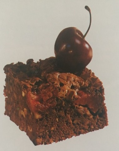 Коврижка с шоколадом и вишнями