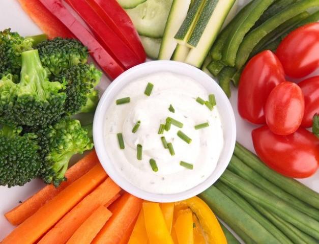 Овощи в йогурте