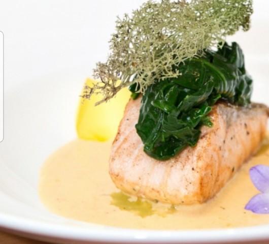 Рыба паровая со шпинатом