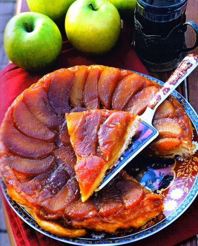 Домашний яблочный слоеный пирог