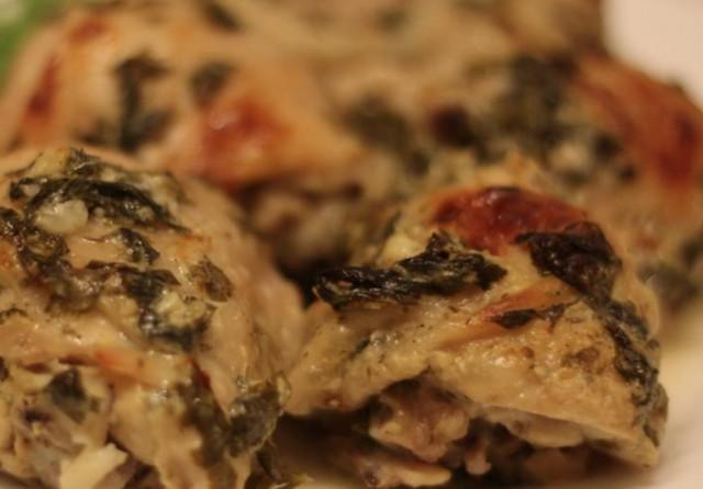 Куриные бедрышки в заправке по-гречески