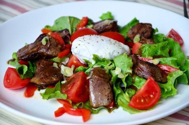 Салат из баклажанов и куриной печени