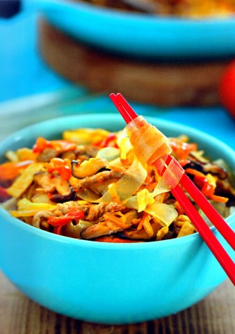 Картофельная лапша с овощами