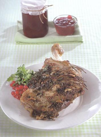 Баранина с желе из красной смородины