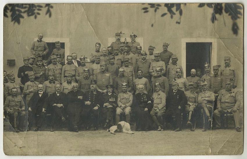 Fotografia di gruppo di ufficiali austriaci.
