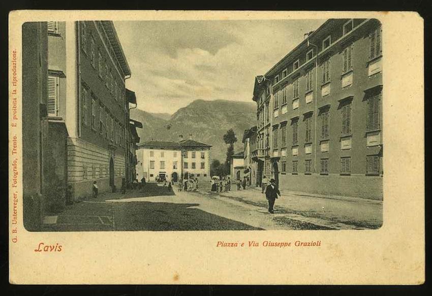 Lavis. Piazza e via Giuseppe Grazioli.