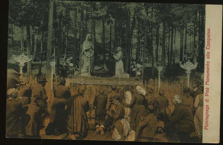 Montagnaga di Pinè - Monumento alla Comparsa.