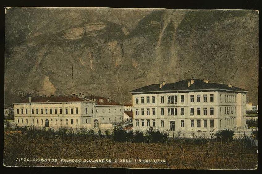 Mezolombardo. Palazzo scolastico e dell'I.R Giudizio.