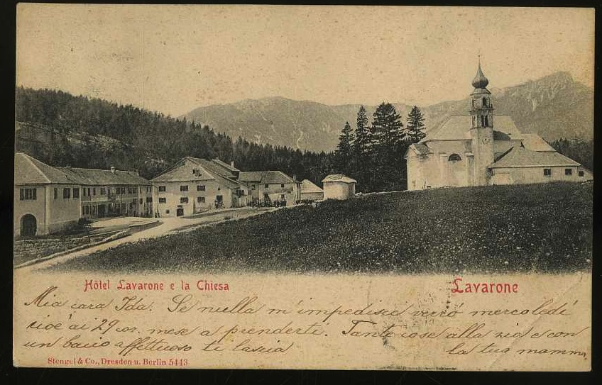 Lavarone. Hôtel Lavarone e la Chiesa.