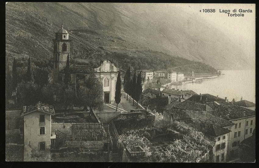k 10838. Lago di Garda. Torbole.