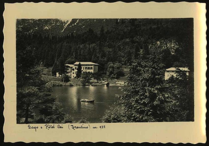 Lago e Hôtel Cei (Trentino) m. 937.