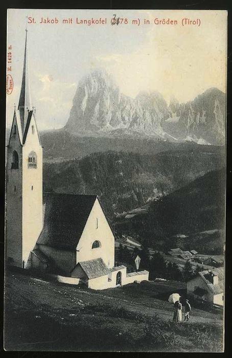 St. Jakob mit Langkofel (3178 m) in Gröden.