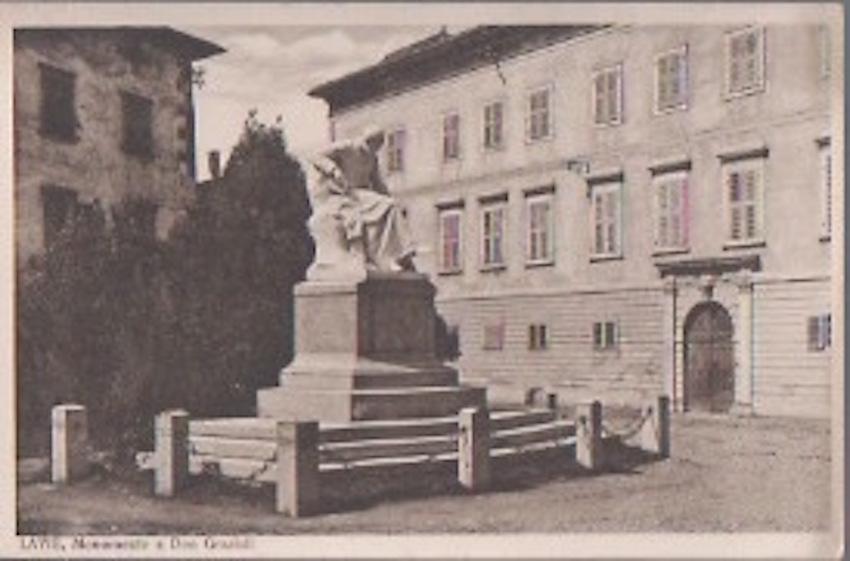 Lavis. Monumento a Don Grazioli.