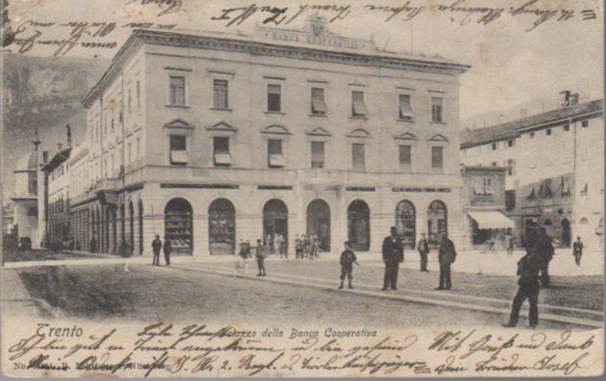 Trento: Palazzo della Banca Cooperativa..