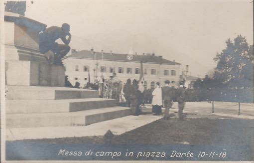 Trento: Messa di campo in Piazza Dante.