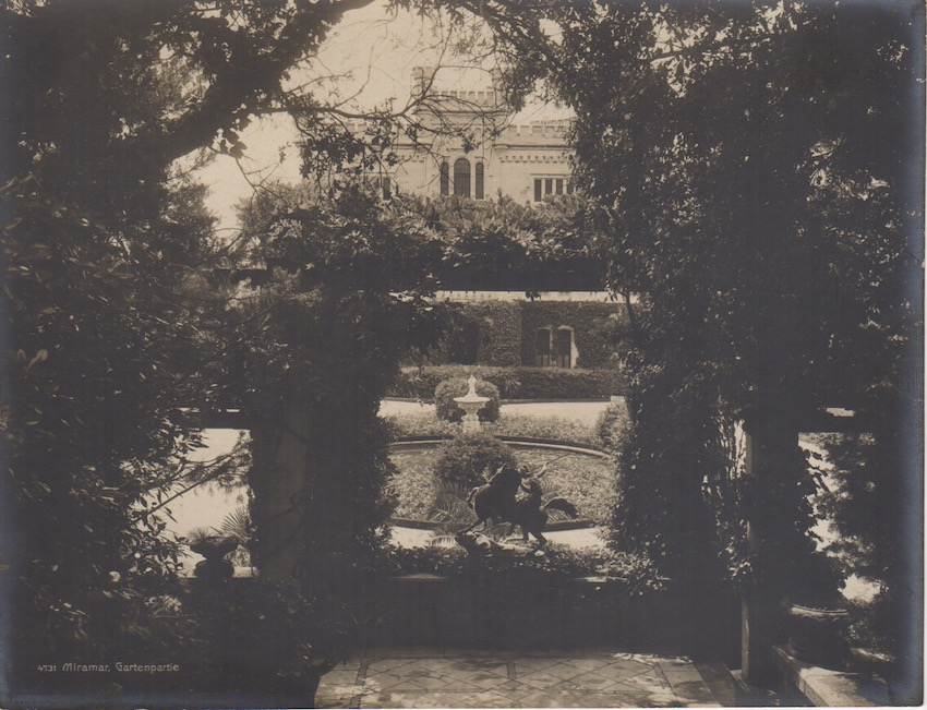 4731. Miramar, Gartenpartie.