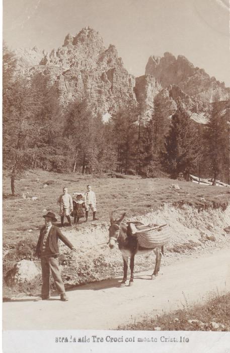 Strada alle Tre Croci col Monte Cristallo.