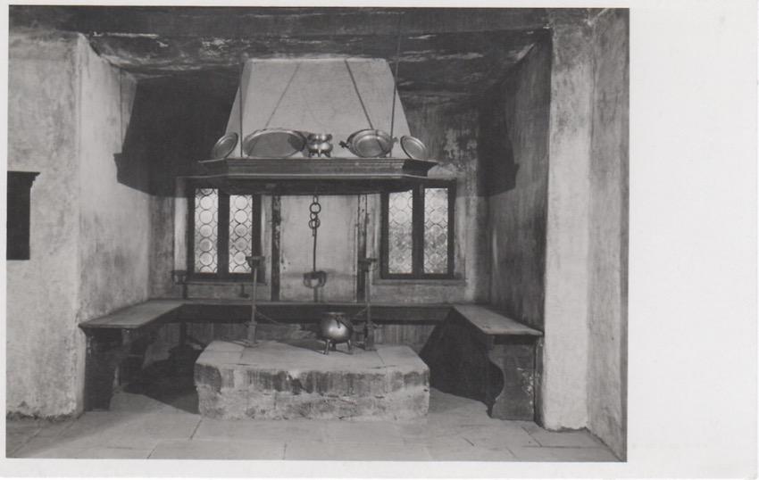 Pieve di Cadore. Casa di Tiziano. La Cucina.
