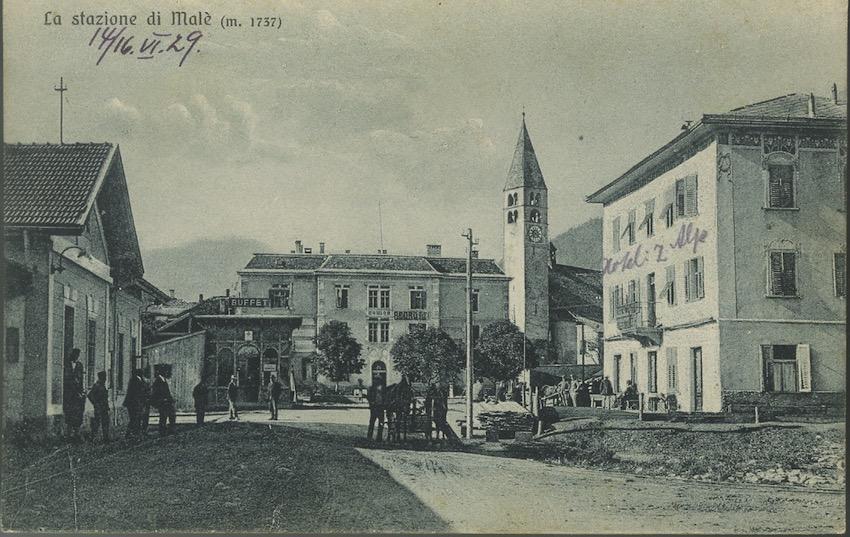 La stazione di Malè (m. 1737).