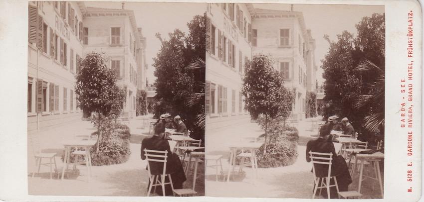 N. 5128 A. Garda - See - Gardone Riviera, Grand Hotel, Frühstükplatz.