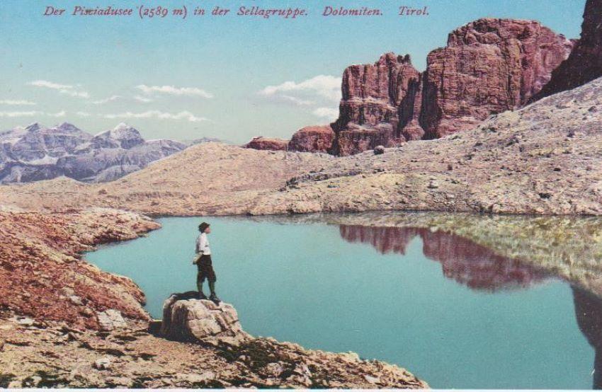 Der Pisciadusee (2589 m) in der Sellagruppe. Dolomiten.