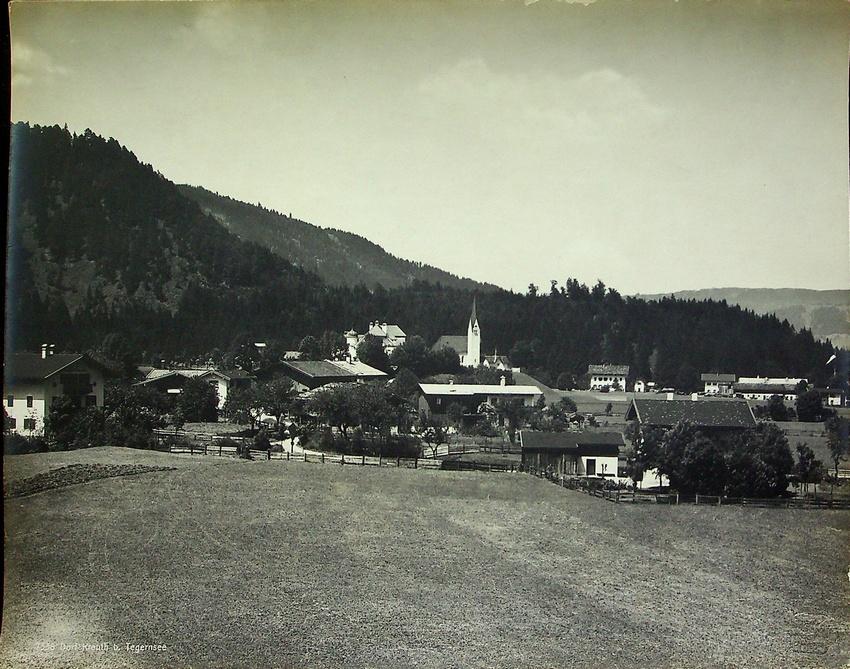 7338. Dorf Kreuth b. Tegernsee.
