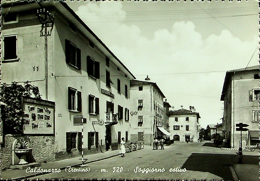 Caldonazzo (Trentino) - m. 520 - Soggiorno estivo.