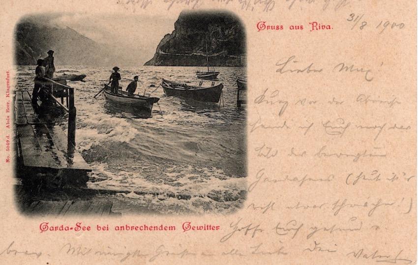 Gruss aus Riva, Garda-See bei anbrechendem Gewitter.