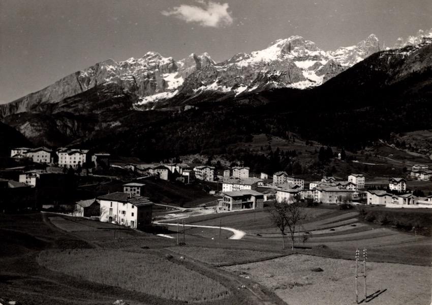 Andalo (m. 1042) Panorama con le Dolomiti di Brenta.