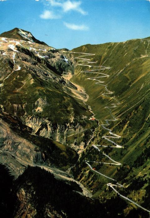 La strada dello Stelvio - (m. 2757).