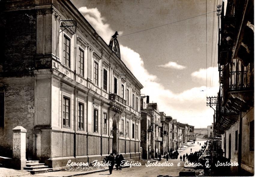 Lercara Friddi - Edificio Scolastico e Corso C. Sartoria.