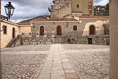 pavimentazione in piastrelle e mosaico in arenaria