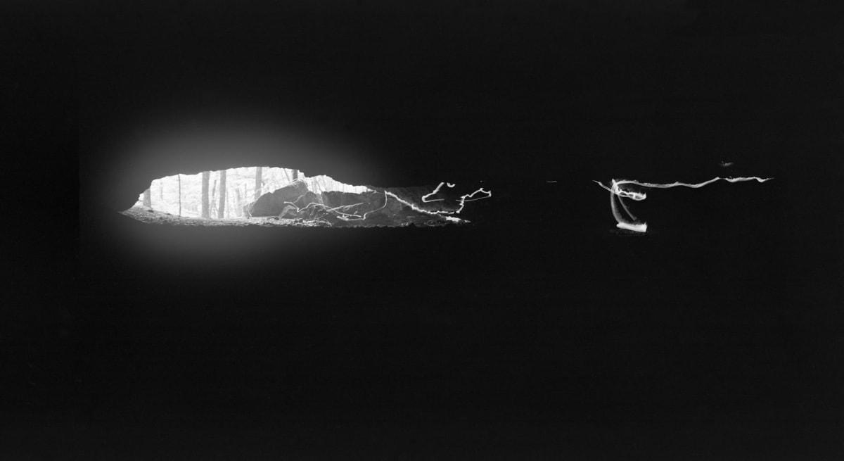 Medallion - Mažarná / Vymezení prostoru ohněm, 1982 / Sledování zapadajícího Slunce, 1983